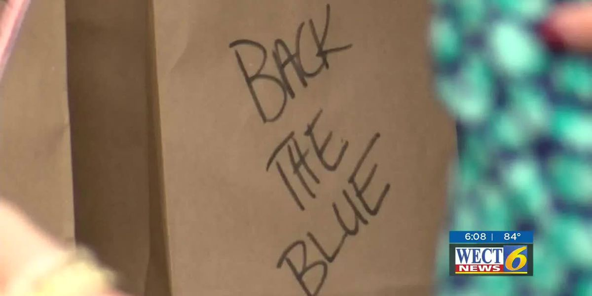 Local business owner shows support for police officers with Back the Blue event