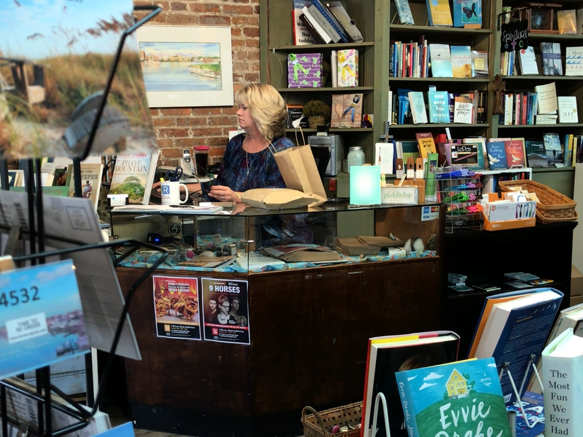 Wilmington book store delivering for free to stay in business