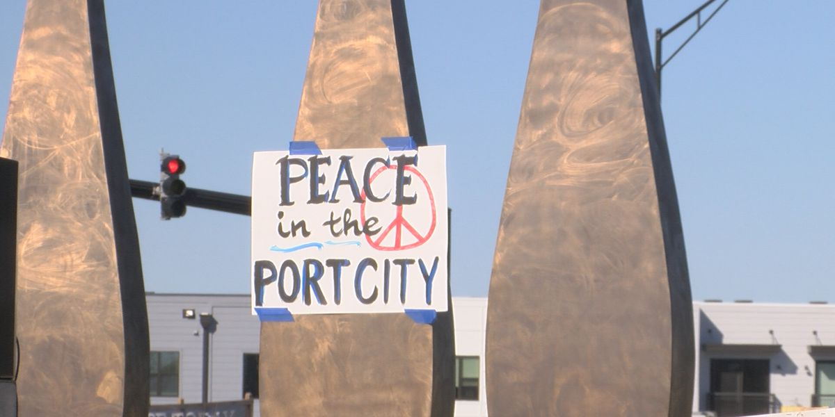 Peace rally calls for an end to gun violence in Wilmington