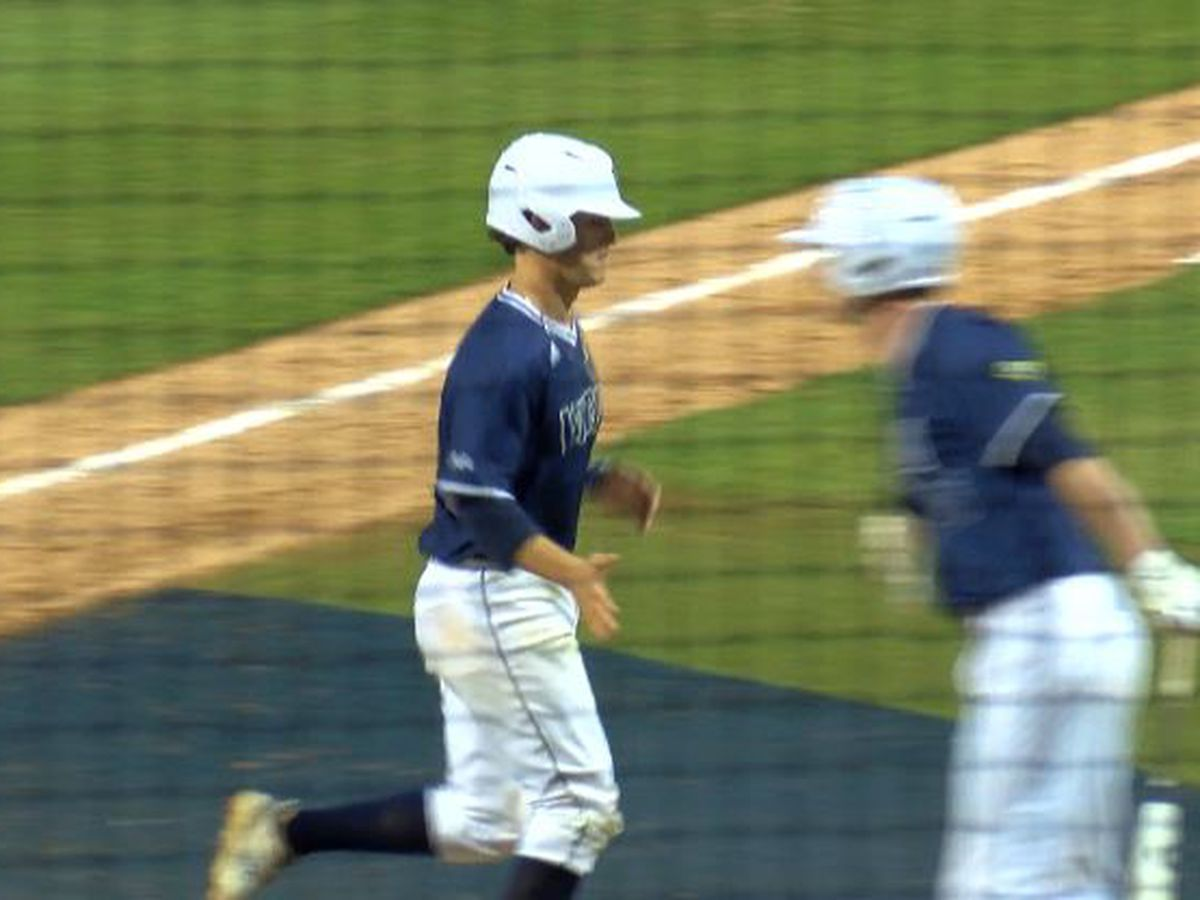UNCW baseball opens league play with victory