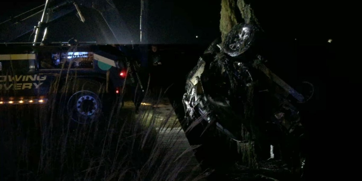 Trooper goes into water after chase ends with crash