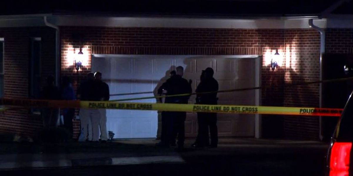 North Carolina authorities investigate triple stabbing