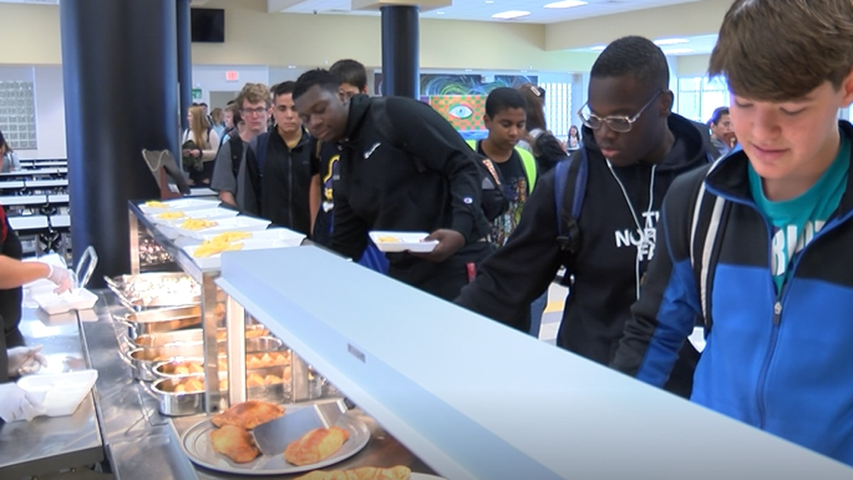 Pender County students now have restaurant style lunch options