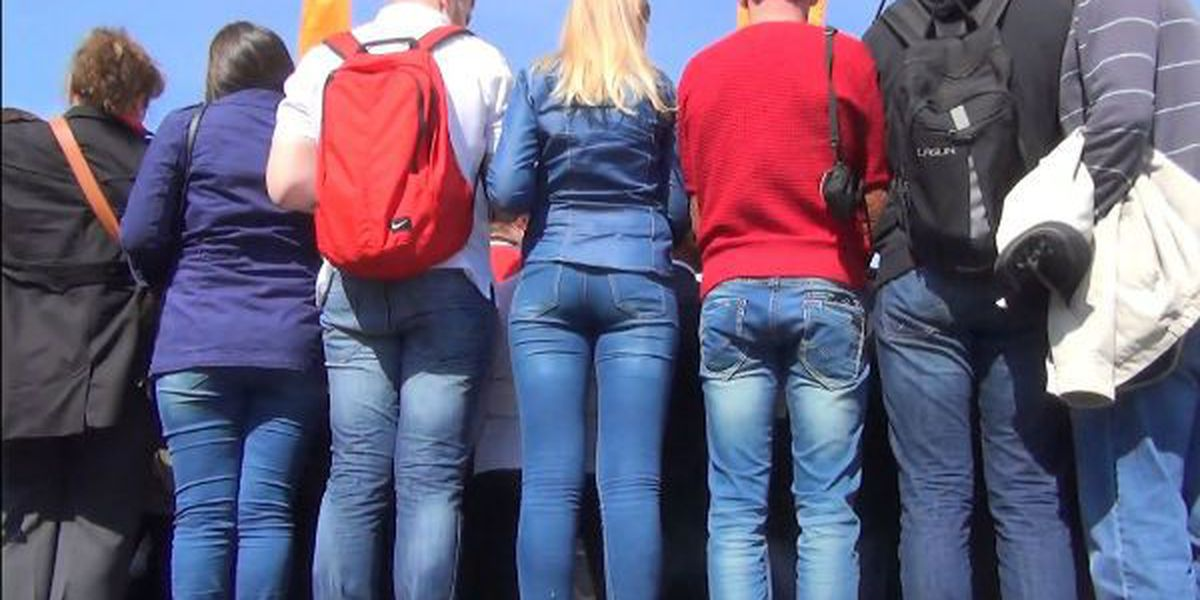 The skinny on proposed skinny jeans regulations at NHC schools