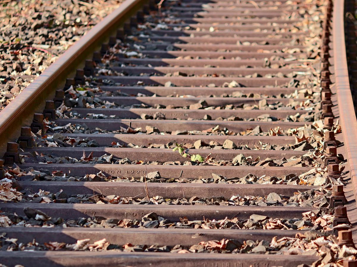 NCDOT: Don't take prom photos on railroad tracks