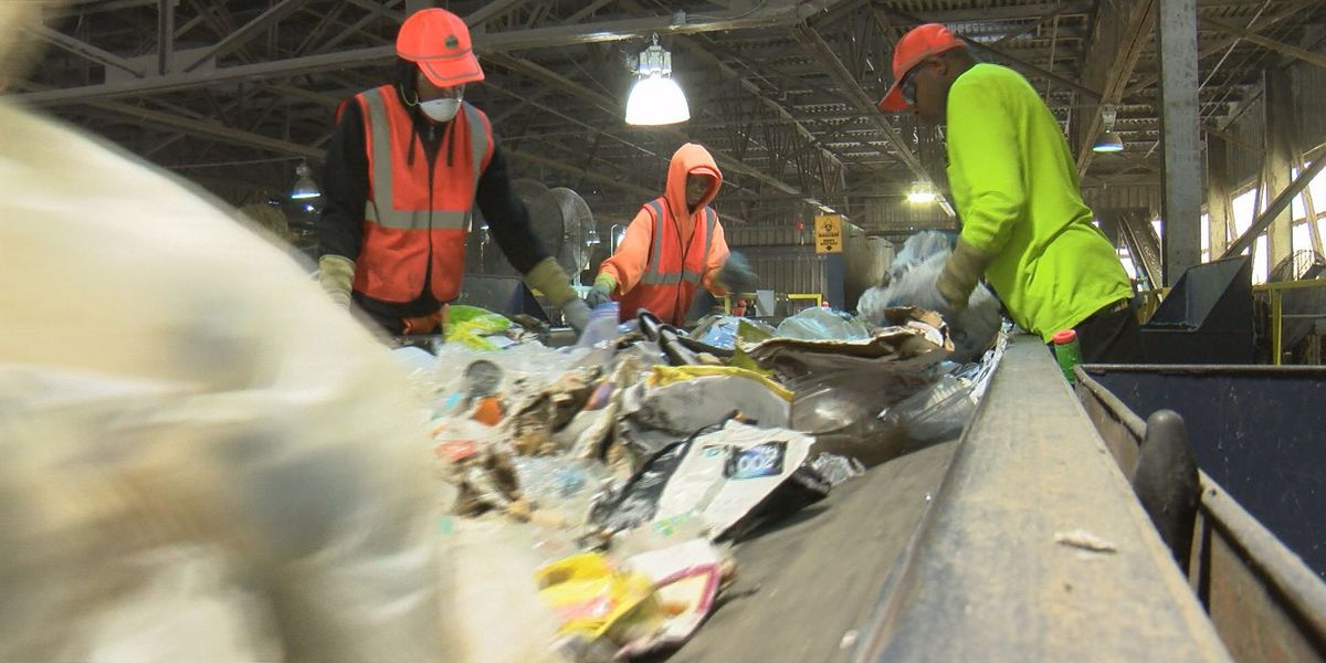 'What Goes Where?' event clears up confusion around recycling, composting and waste diversion