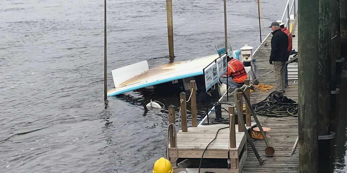Sunken tour boat pulled from the Cape Fear River
