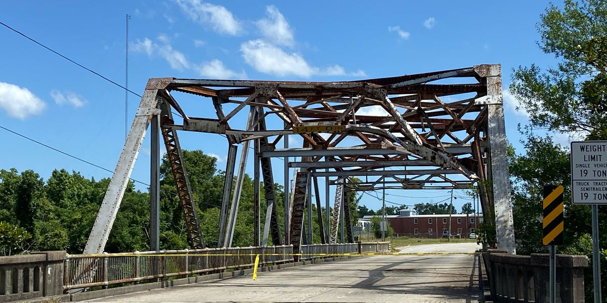 Damaged Smith Creek Bridge to be replaced instead of repaired, NCDOT says