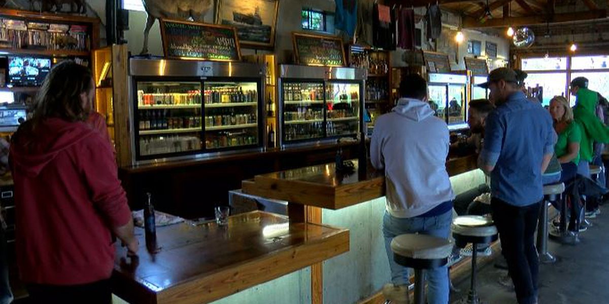 Wilmington bars close doors, and restaurants lay off employees because of coronavirus