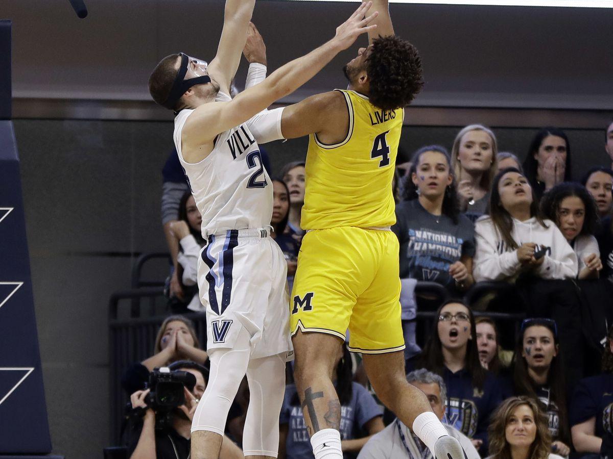 Michigan routs Villanova in championship rematch