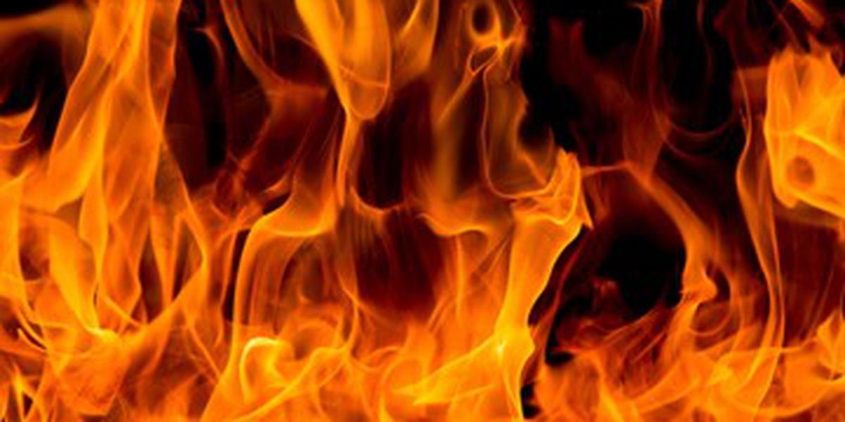 Wilmington firefighters respond to apartment fire