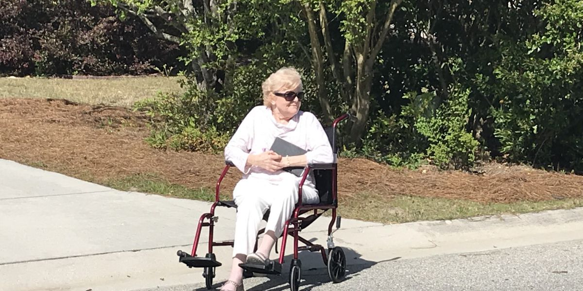 Neighbors sing 'Amazing Grace' for woman with ALS
