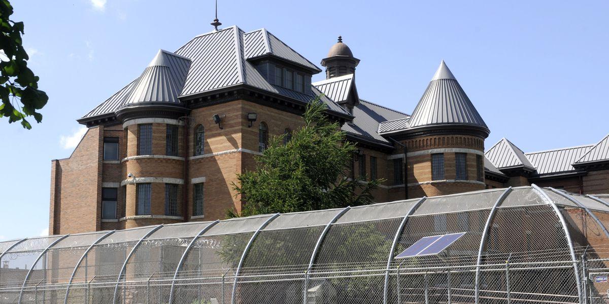Therapist broke rules with Iowa sex predator