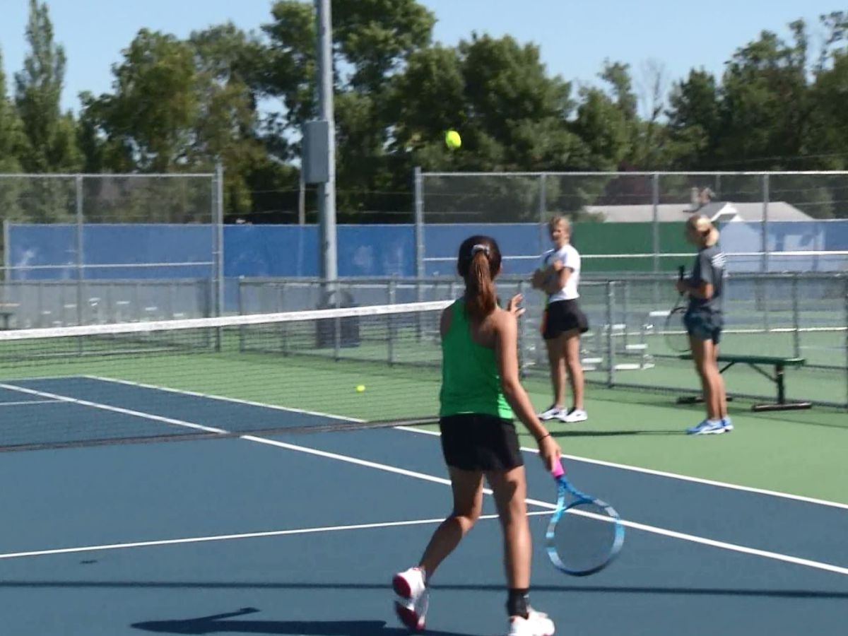 Coaches needed for the Girls Middle School Tennis League