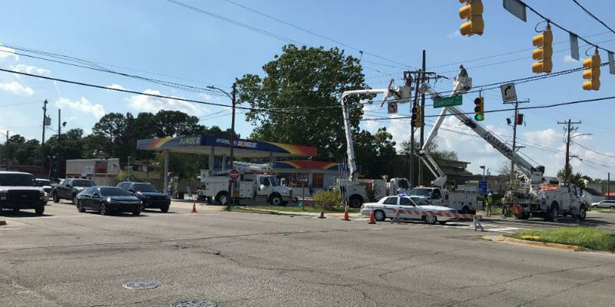 TRAFFIC ALERT: 17th, Dawson intersection reopens after crash