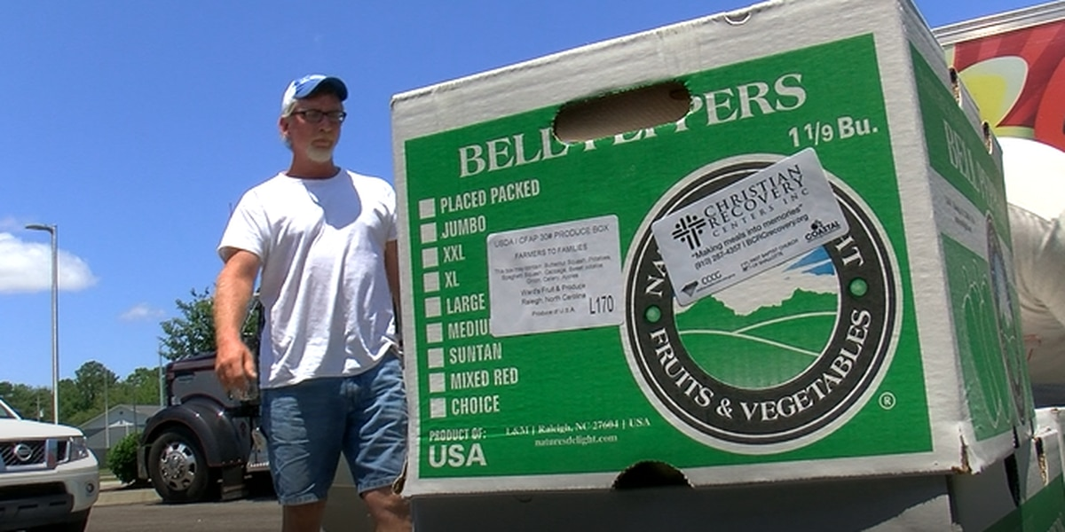 Groups pull together to hand out over 1,000 meals
