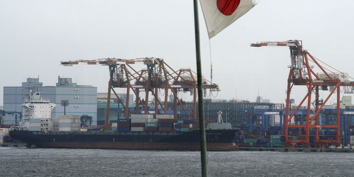 Japan exports up in October, but not enough to erase deficit