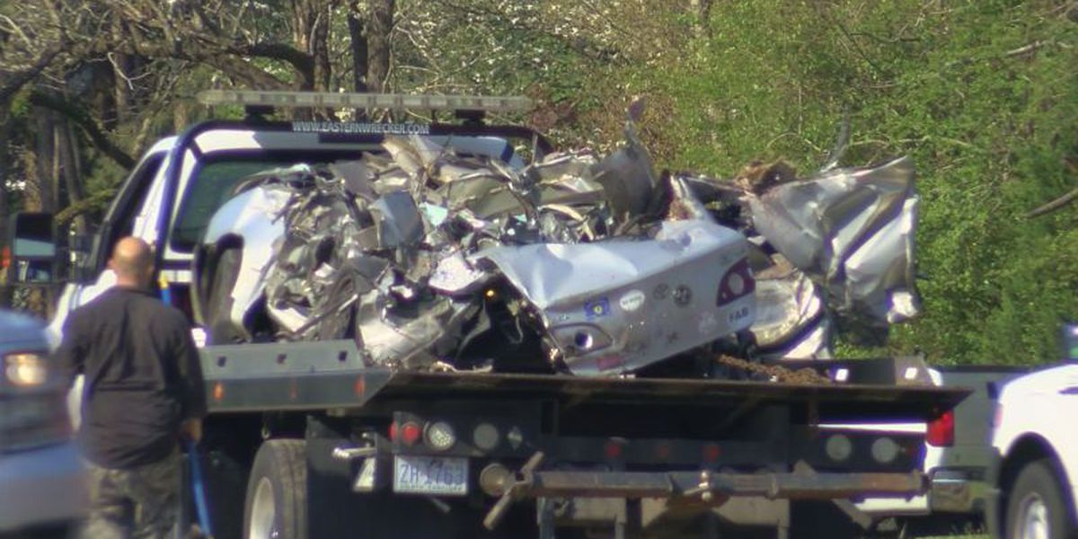 3 co-workers killed in Bladen Co. crash after slamming car into poultry truck