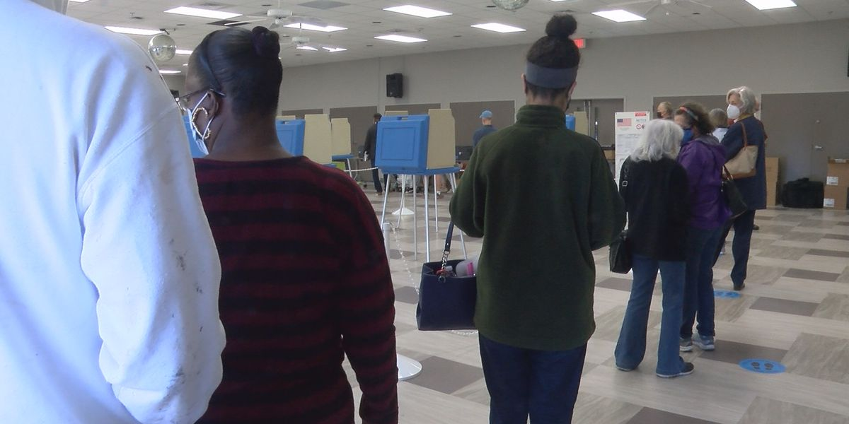UPDATE: Minor issues resolved as early voting kicks off in Cape Fear region