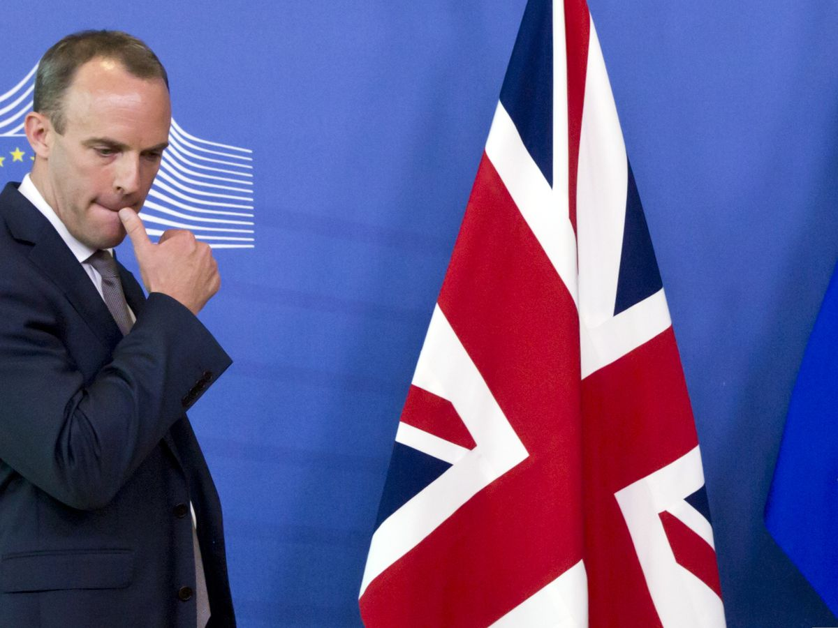 EU divorce deal thrown into doubt as Brexit minister resigns