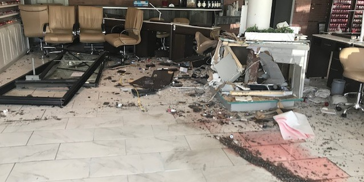Vehicle crashes into nail salon in Wilmington