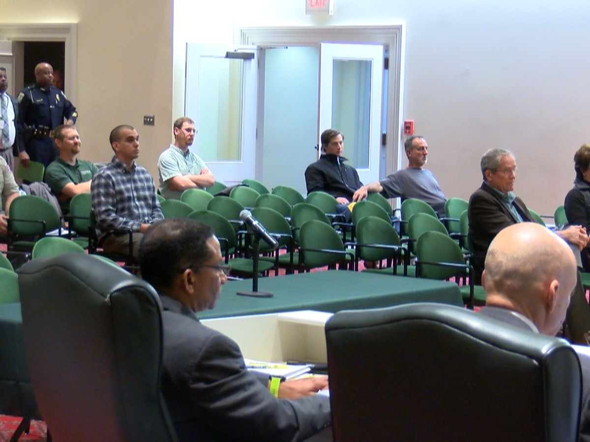 Wilmington City Council opens former WAVE facility to bidders, approves new police truck