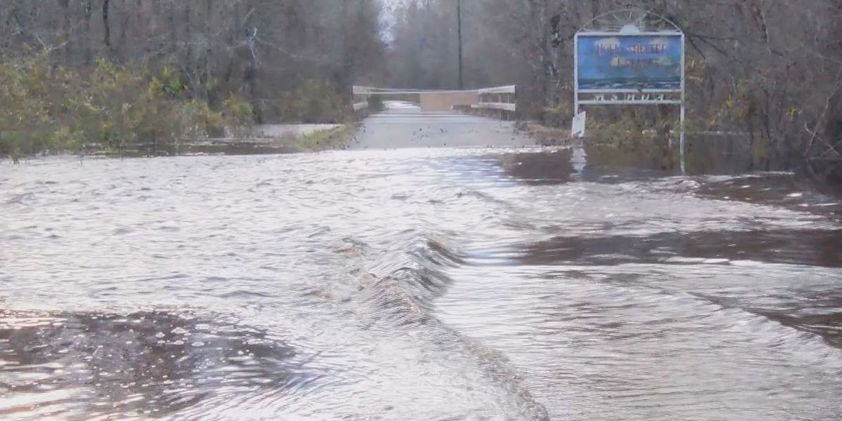 Northeast Cape Fear River crests at 14+ feet, neighborhoods and roads flood