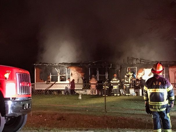 Mobile home destroyed in early morning fire