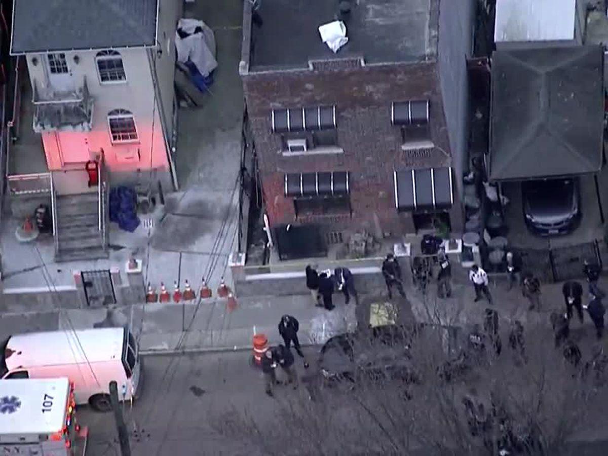 Fugitive is killed, 2 US marshals shot in Bronx gunfight