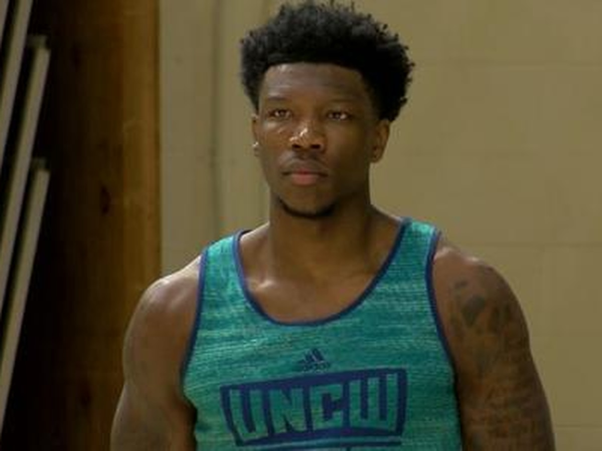 Report - UNCW's Cacok to sign Exhibit 10 deal with Lakers