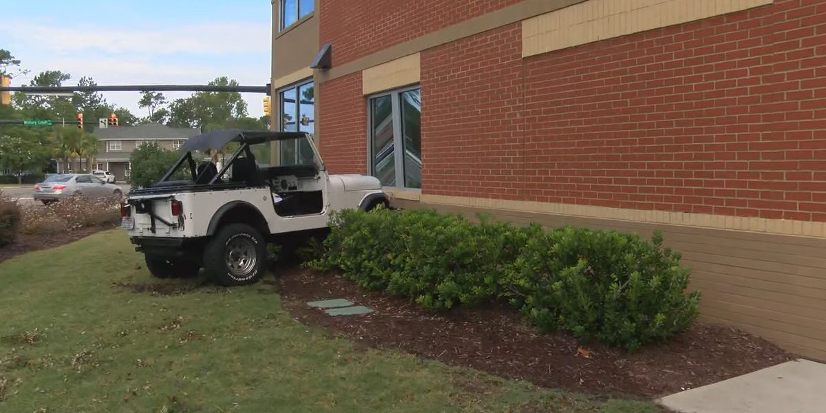 Driver abandons Jeep after crashing into building, Wilmington police say