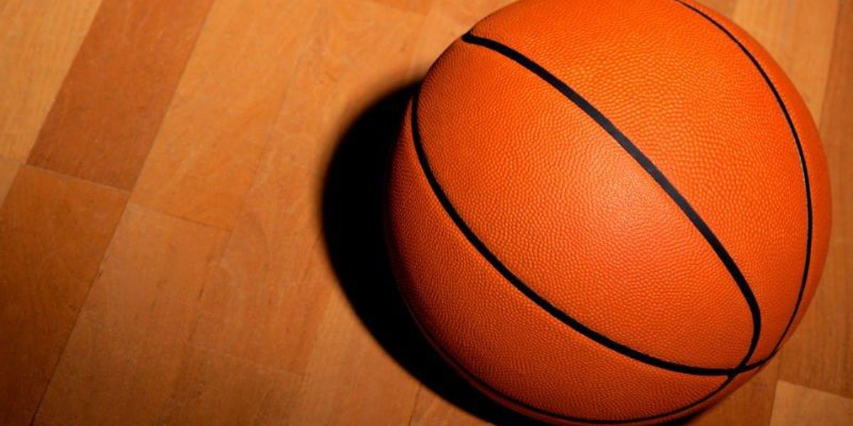NCAA rules that agents will be allowed to work with college basketball players