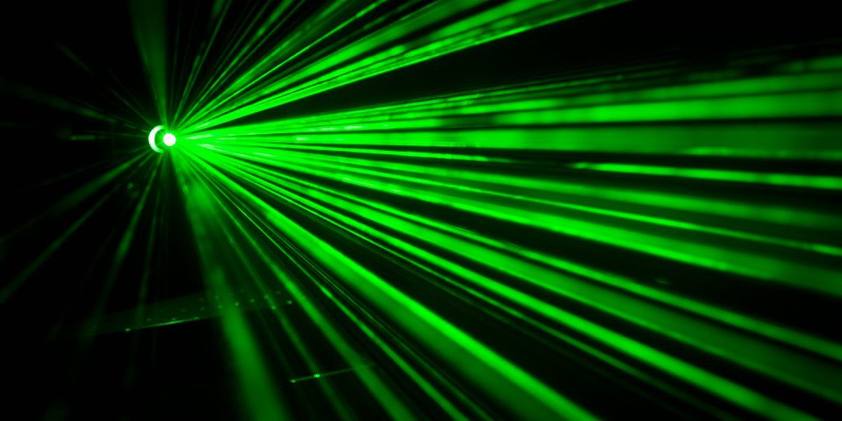 Laser Christmas displays can pose threat to flight safety, FAA says