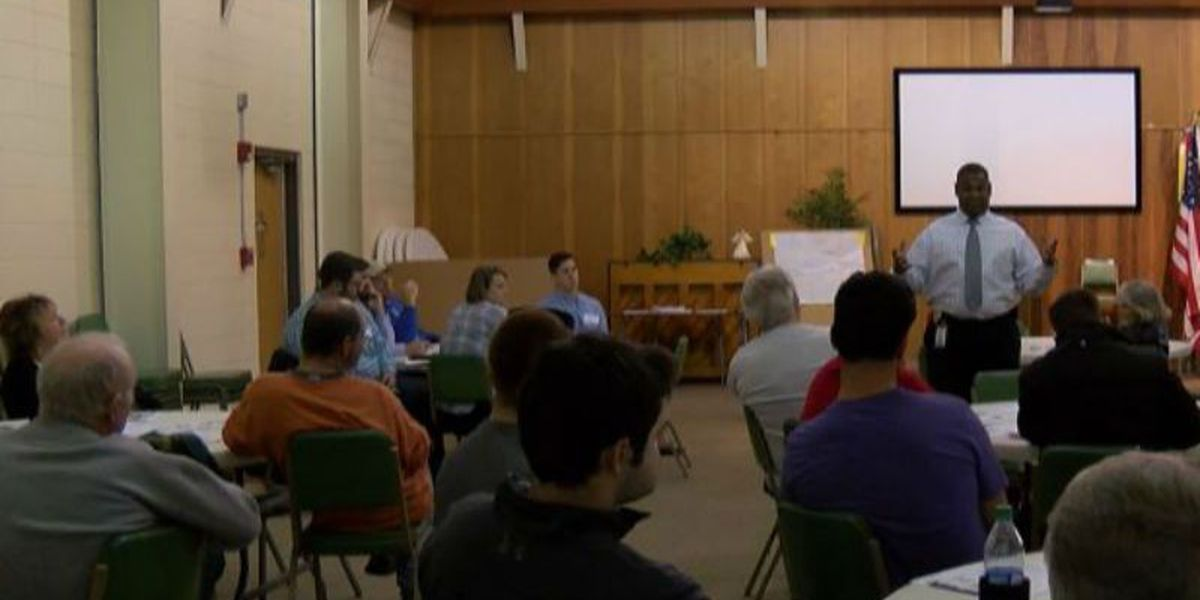 Neighbors meet with crime and prevention specialists about break ins