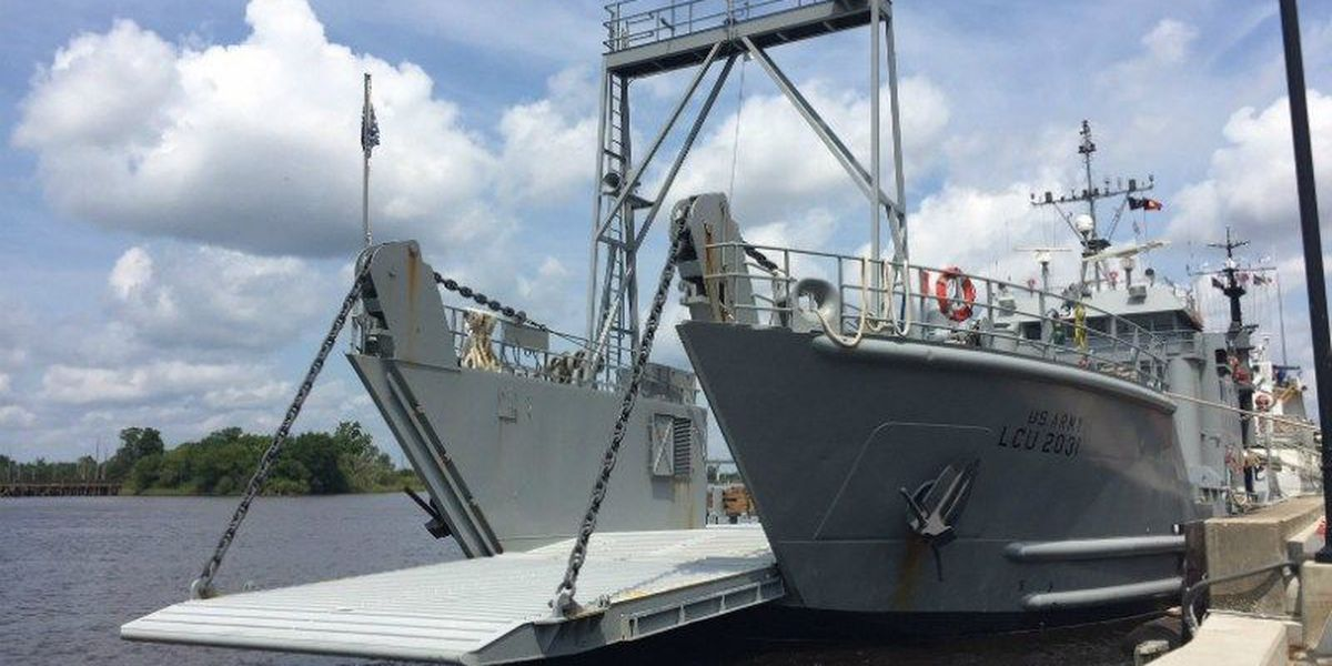 Army watercraft makes pit stop in Wilmington