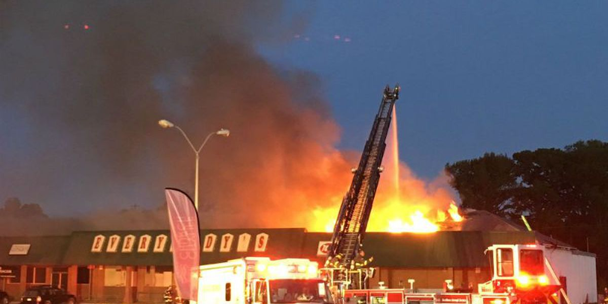 Electrical failure sparked massive shopping center fire, investigators say