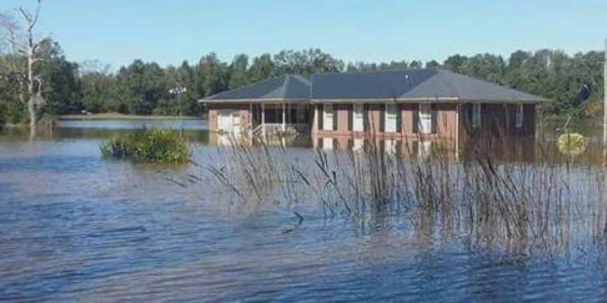 Mobile application center for Hurricane Matthew assistance comes to Brunswick County