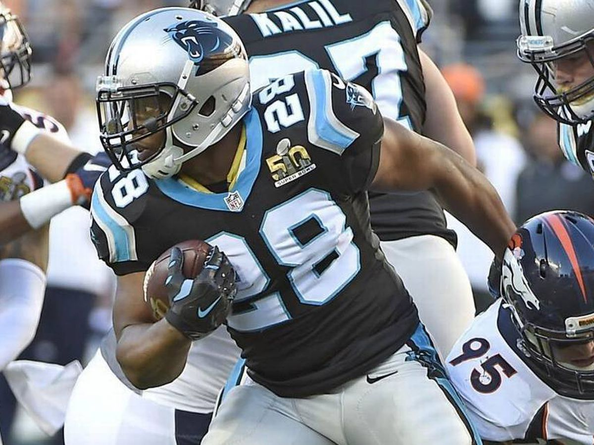Jonathan Stewart signs 1-day contract to retire as a Panther