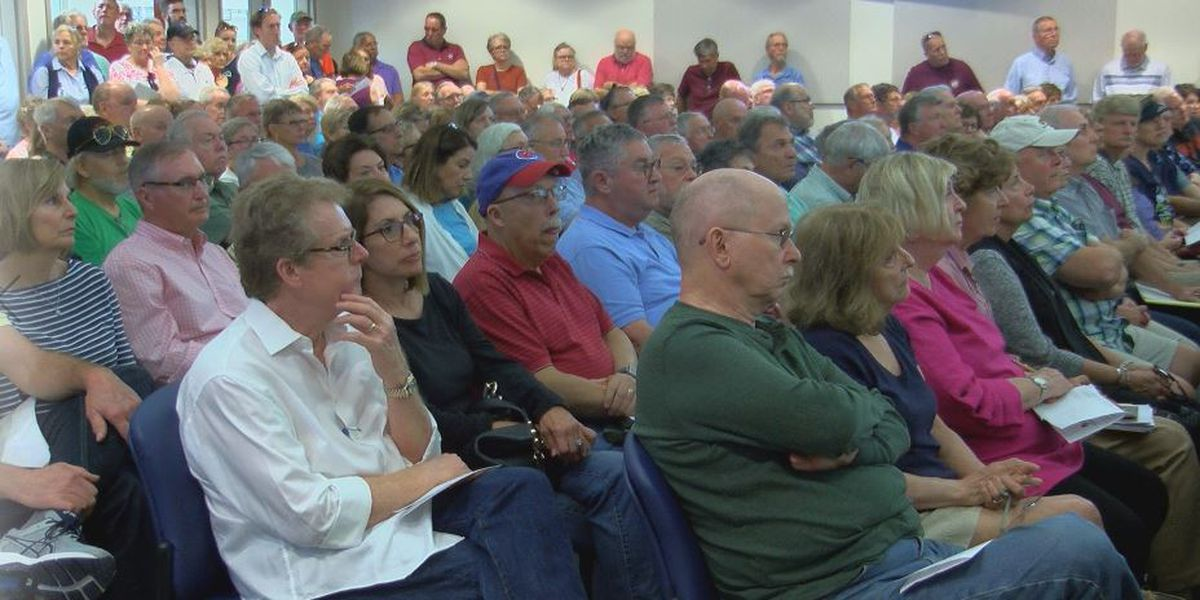 More than 400 Leland residents show up to voice concern over proposed Cape Fear Crossing