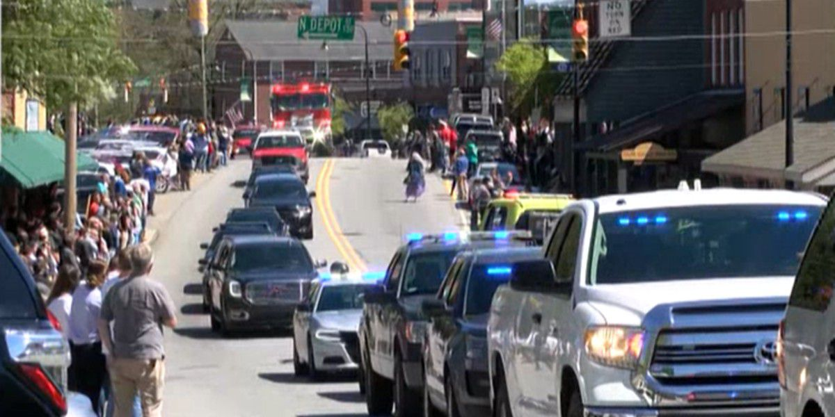 Procession brings bodies of deputies killed in Watauga County mass shooting to funeral home in Boone