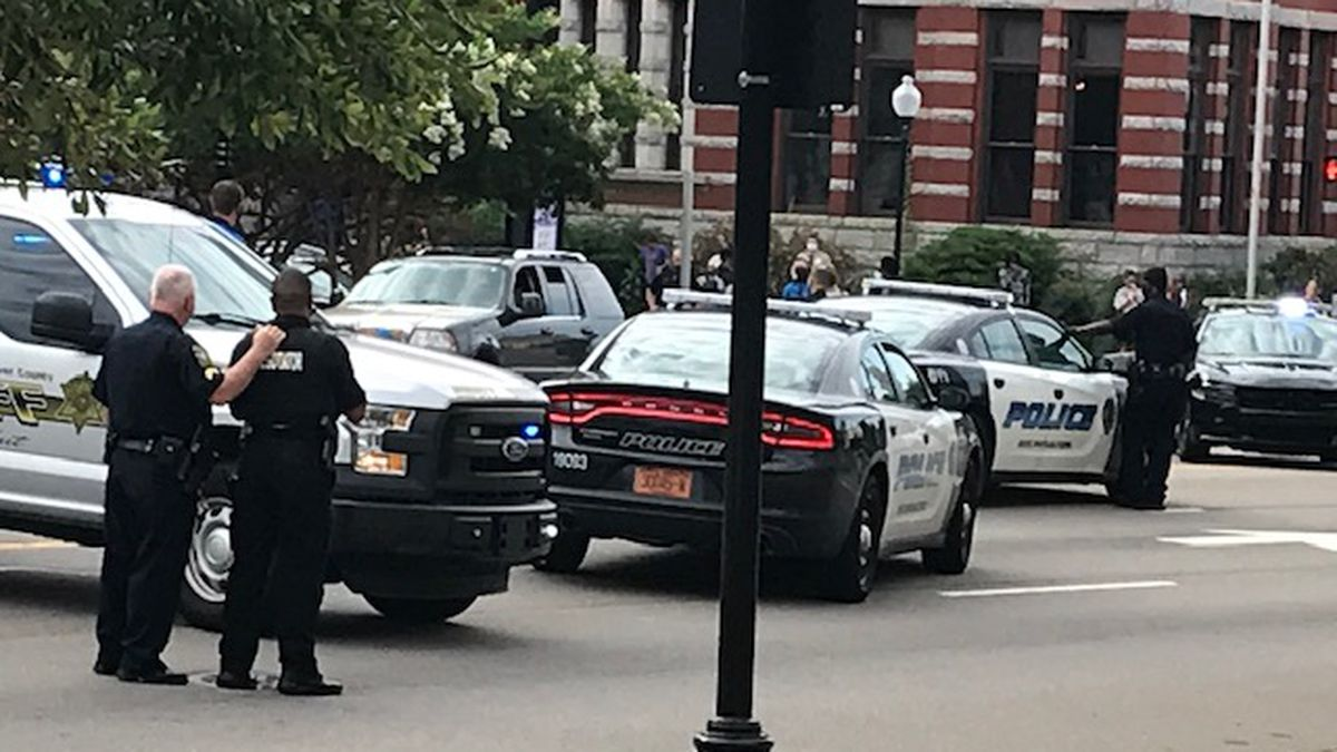 Wilmington police search for driver who allegedly tried to 'incite violence' near City Hall