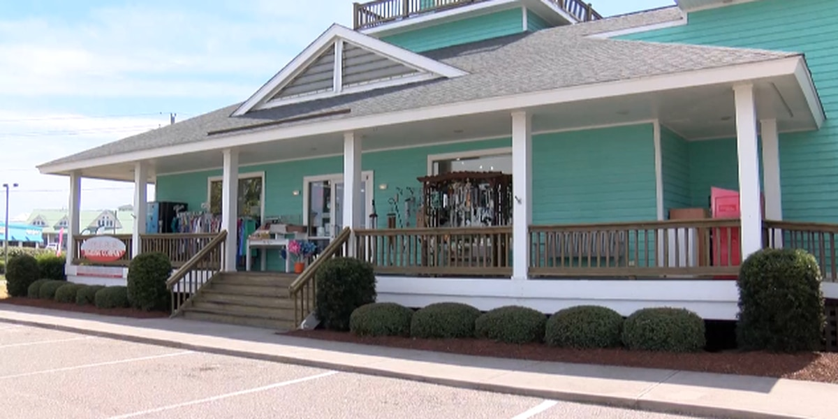 Pender County businesses shut their doors under government order