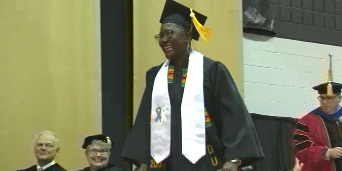 Woman with terminal cancer fulfills dream of graduating college