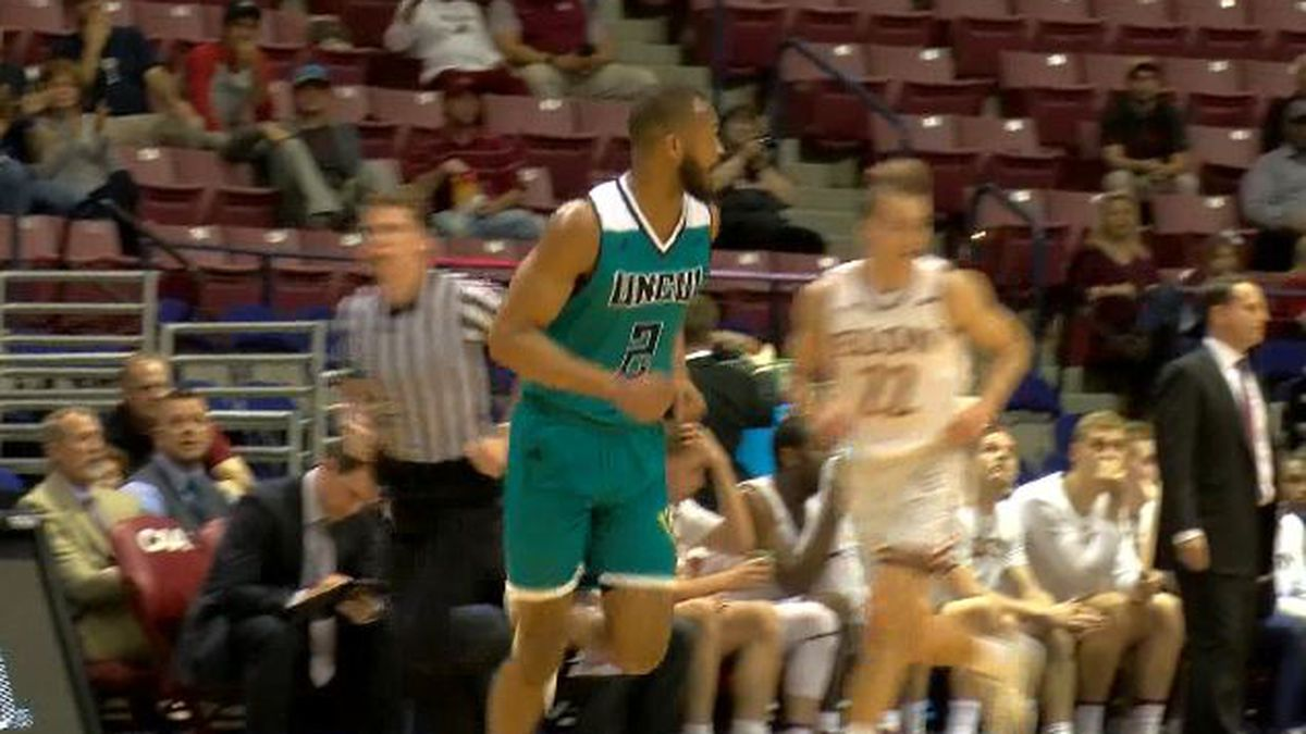 Another Seahawk leaving men's basketball program