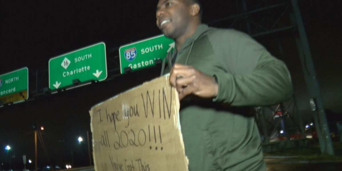 Man hands out money on streets of Charlotte to spread positivity for 2020