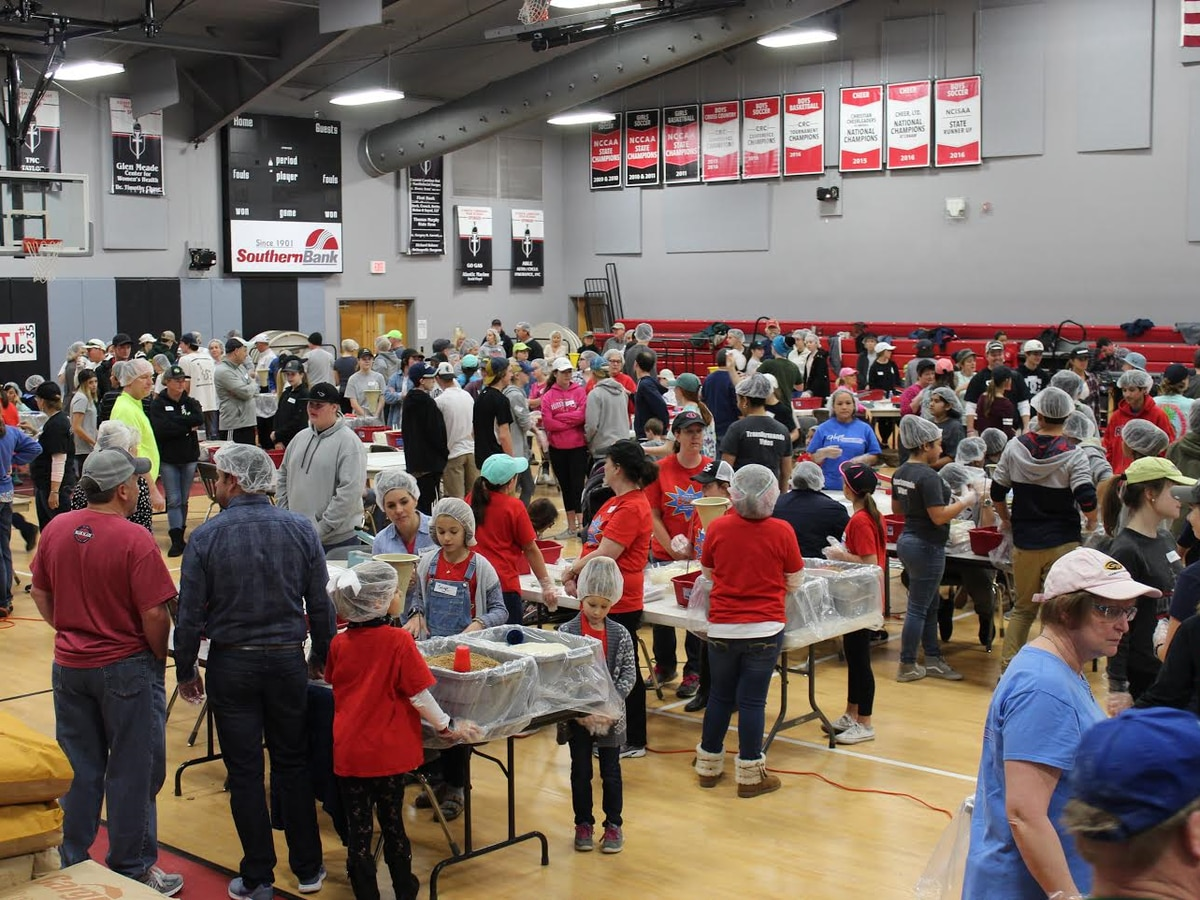 Hundreds of volunteers pack 85k meals for children in Haiti