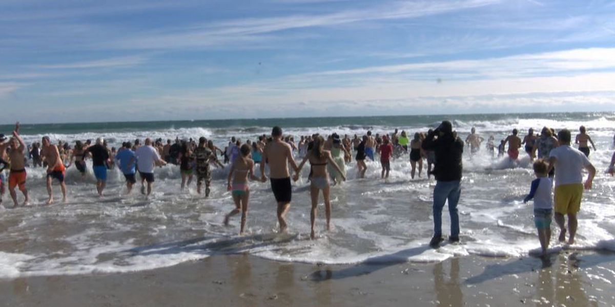 Plungers brave frigid temperatures for a cause
