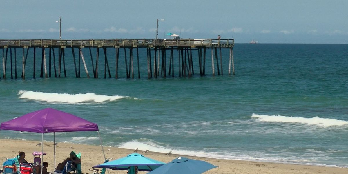 Man dies after trying to save daughter in rough N.C. surf