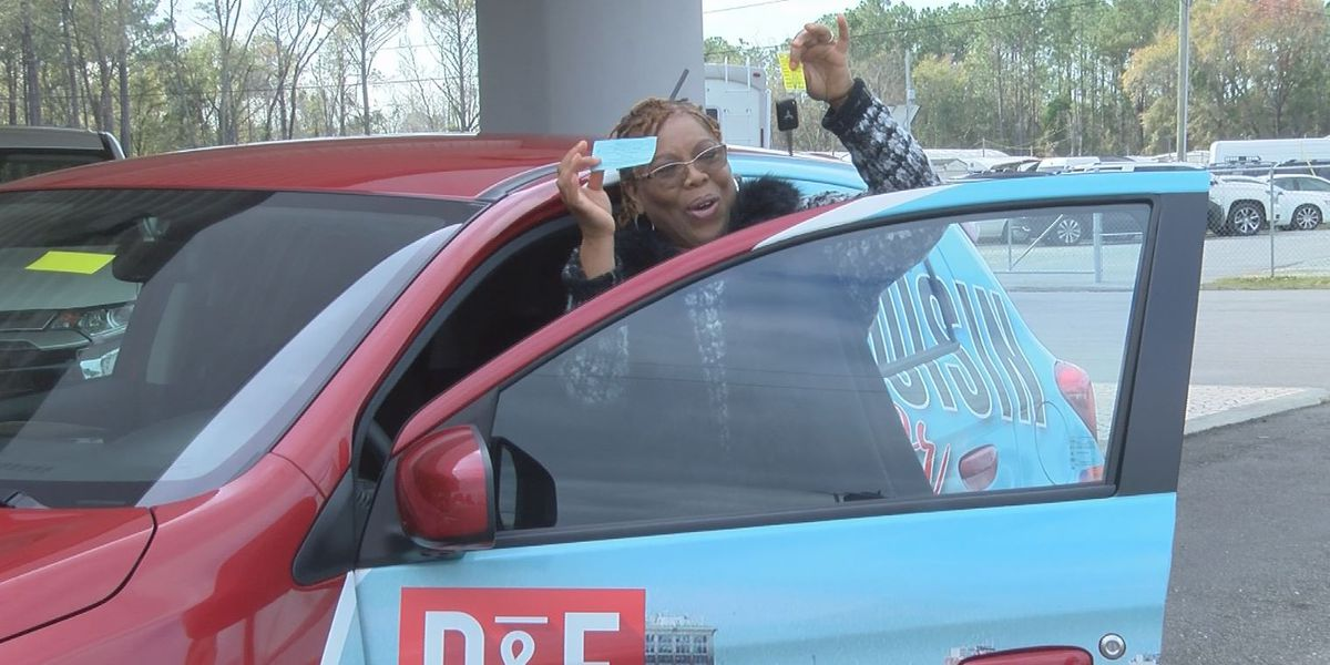 Wilmington woman wins car in WRAAP fundraising raffle