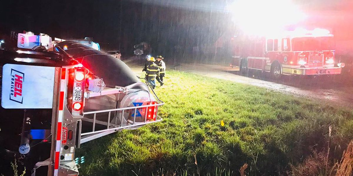 Crews respond to overturned 18-wheeler in Southport